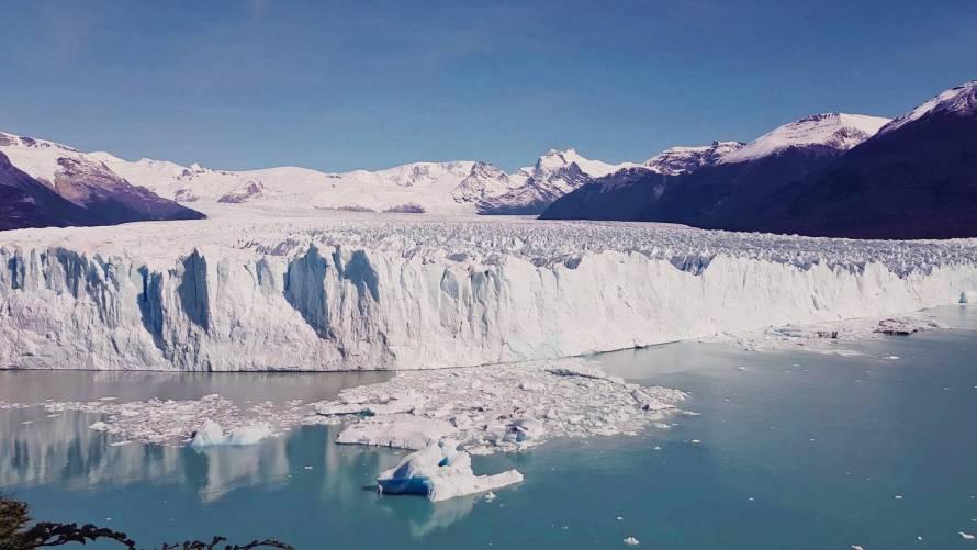 Olvadó gleccser